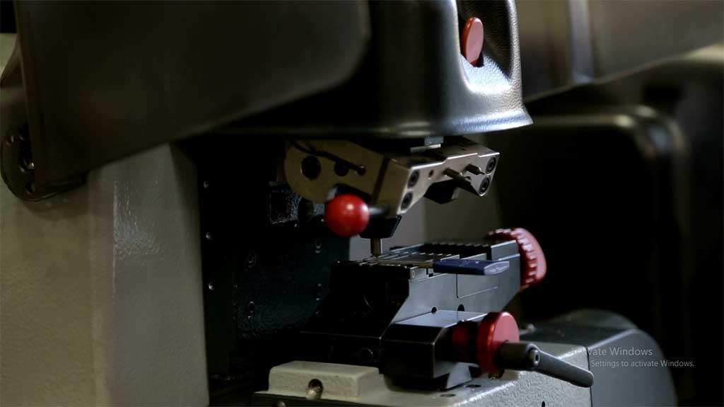 locksmith machine